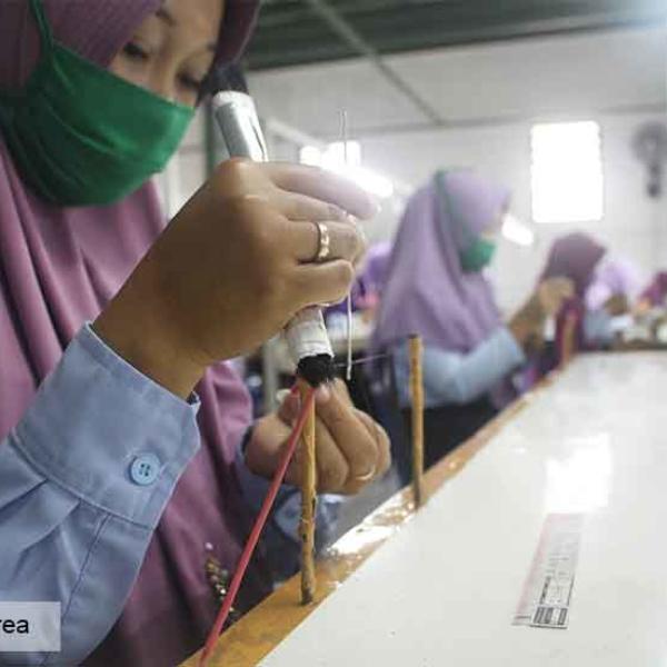 Knitting-Process-01-1