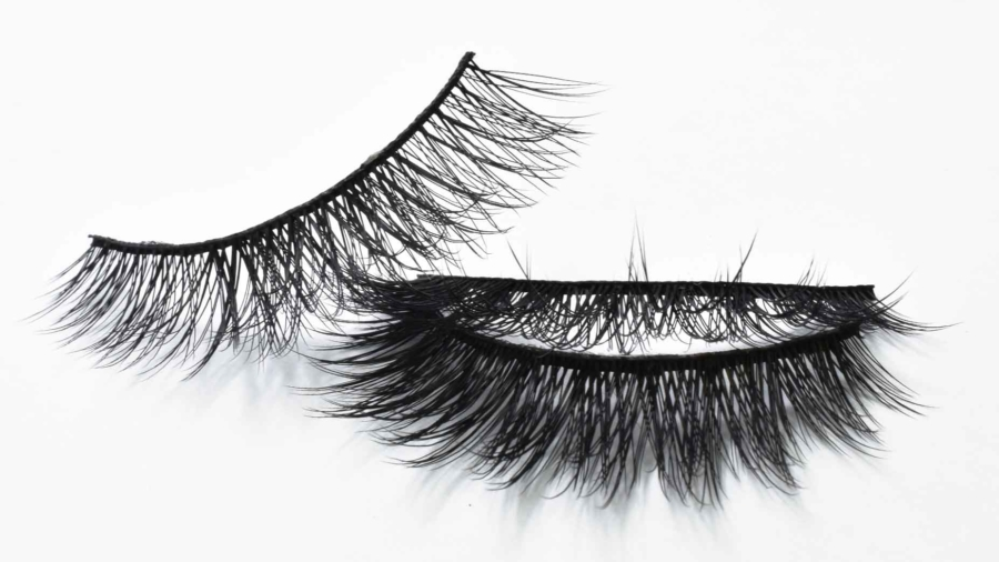 How-to-Stack-False-Eyelashes